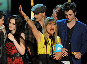 Catherine Hardwicke with cast of Twilight